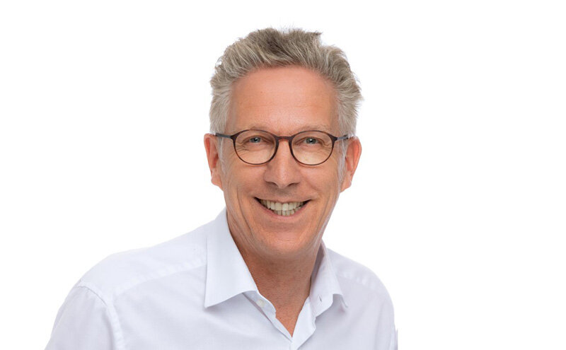 Dr. Michael Visse